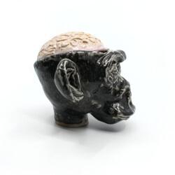Handgefertigte Süßigkeiten Dose von der makaberen Sorte (Affe + Gehirn) - Seitenansicht