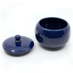 Handgefertigte kleine Kugeldose in sattem königsblau - Innen