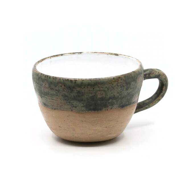 Große handgefertigte Tasse mit schönem Craquelé - braun / grün - Seitenansicht Detail