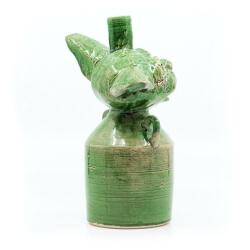 Handgefertigte grüne Flasche mit Katzenkopf Old Cats Purrbon makaber LARP - Rückseite
