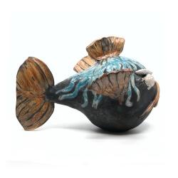 Nisthilfe - handgefertigter Raku Fisch - blauer Kugelfisch - Seitenansicht