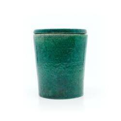 grüne Raku-Dose - Frontansicht