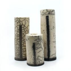 Drei handgemachte Raku Kerzenständer - Frontansicht