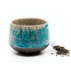 toller blauer Design Chawan aus dem Rakubrand mit wasserblauem Verlauf - Seitenansicht