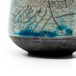 toller blauer Design Chawan aus dem Rakubrand mit wasserblauem Verlauf - Detail