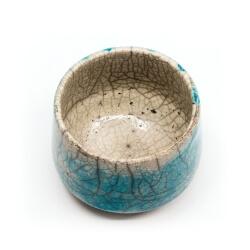 toller blauer Design Chawan aus dem Rakubrand mit wasserblauem Verlauf - Innenansicht