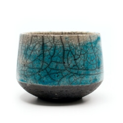 toller blauer Design Chawan aus dem Rakubrand mit wasserblauem Verlauf - Außenansicht
