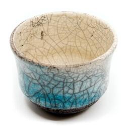 blauer Design Chawan aus dem Rakubrand - wasserblauer Verlauf - Innenansicht