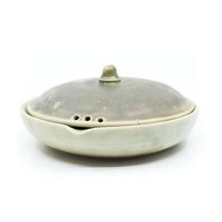 seladon gruene Teeschale Frontansicht