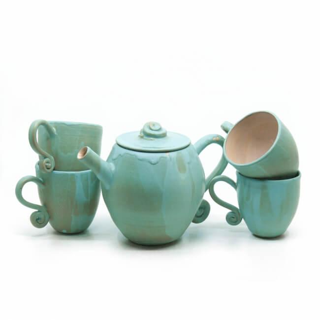 Handgefertigtes Teeservice in grün/blau - kleines Geschirrset - Frontansicht